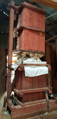 Wool press: old but working